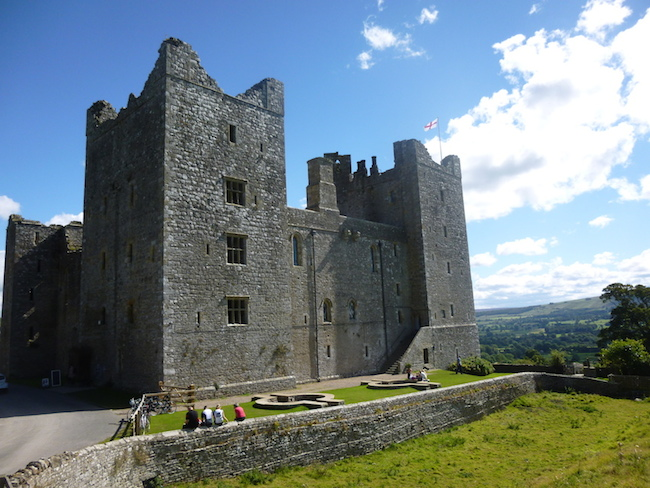 Guided Yorkshire Square Walk challenge walk | Bolton Castle | TeamWalking